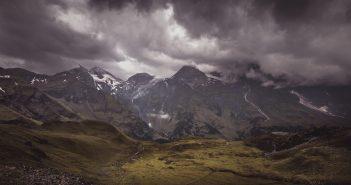Gewitterfront und Berg- und Talfahrt im agilen Wasserfall-Projekt