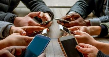 smartphone addiction in the 21st century